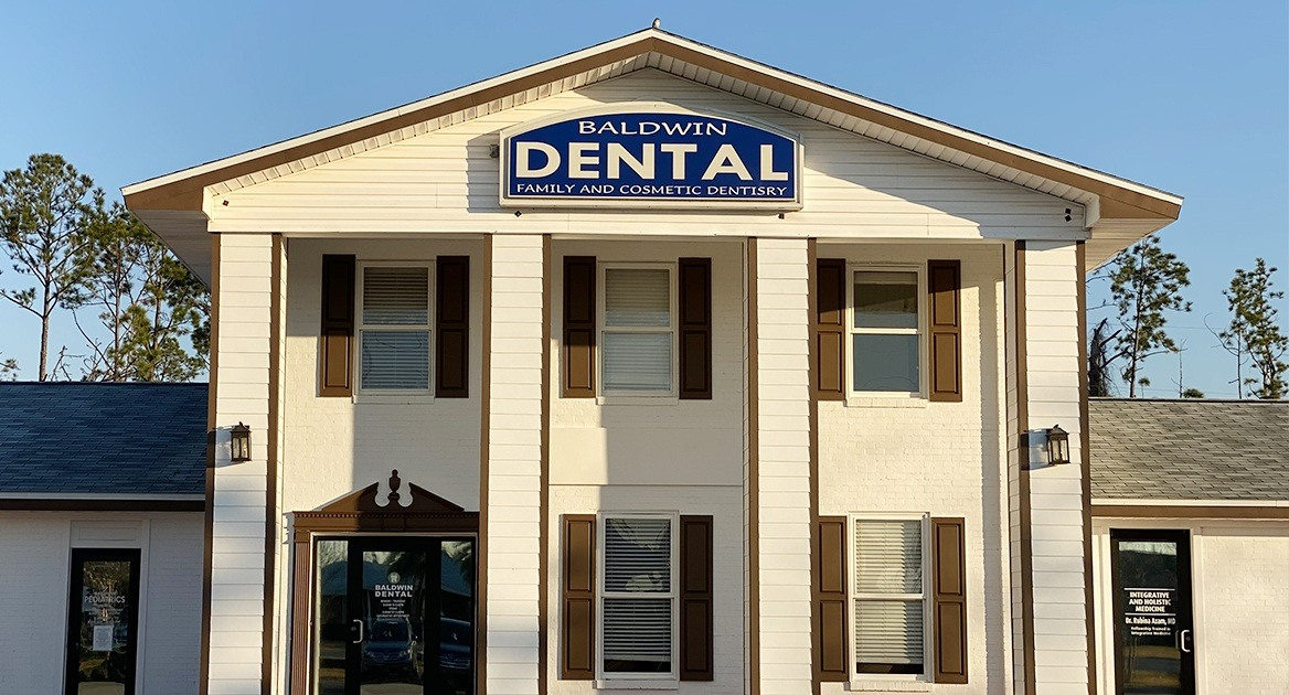 Outside view of Baldwin Family Dental in Panama City